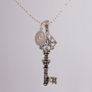 Engraved Key to my Heart Necklace 8BJ33217